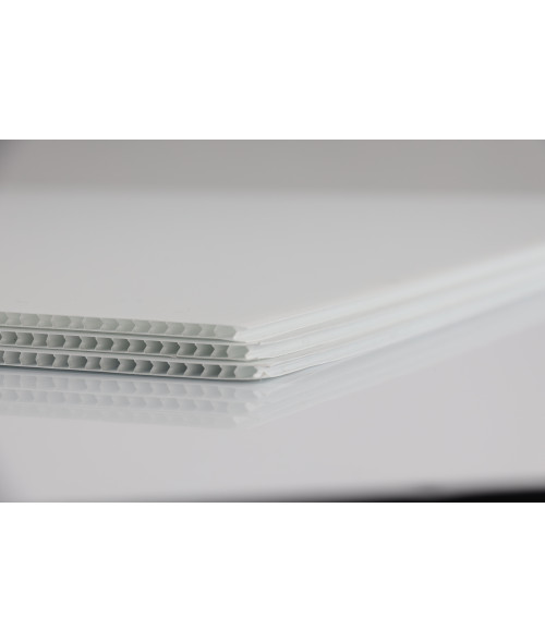 "White 4mm Corrugated Plastic Sheet (24"" x 18"")"